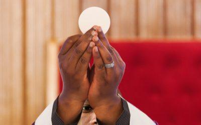 3 santos que desejavam receber a Eucaristia, mas não podiam